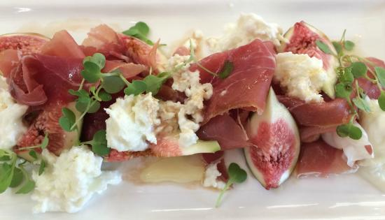 Lucio's Italian Restaurant: Prosciutto, figs & buffalo mozzarella