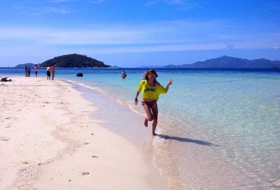 Bulog Island: Me running around the beach