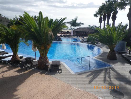 Piscine picture of hotel grand callao callao salvaje for Big blue piscine