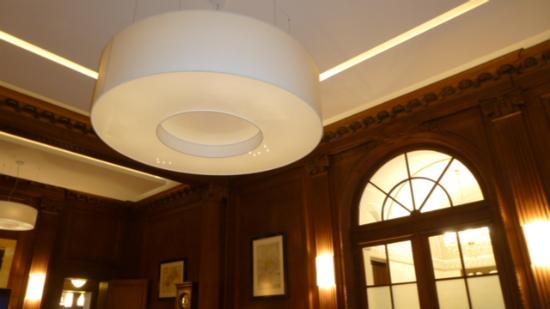 Moderne Lampen 55 : Moderne lampen im alten restaurant picture of villa altenburg