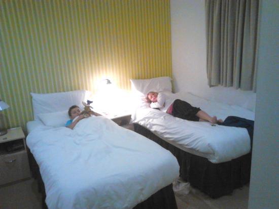 Ocean Serviced Apartments: Kids room