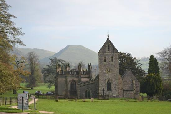 YHA Ilam Hall: room with a view, thorpe cloud