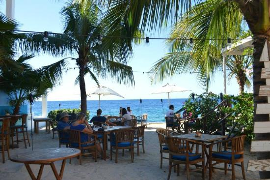 Scuba Lodge & Ocean Suites: View from the Restuarant