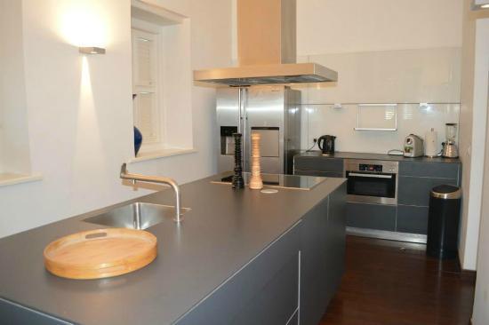 Scuba Lodge & Ocean Suites: Kitchen