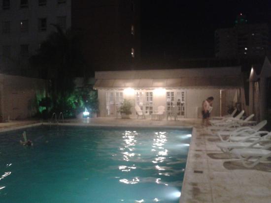 Julio Cesar Hotel: El agua esta tibia