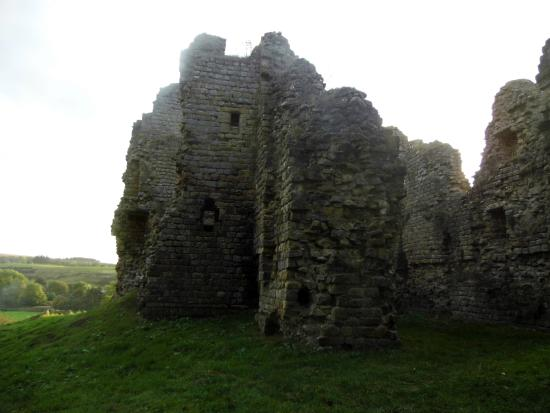 ‪Thirlwall Castle‬