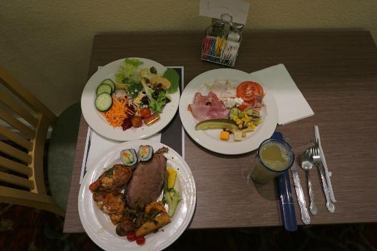 The Buffet: 私が食べた食事です。