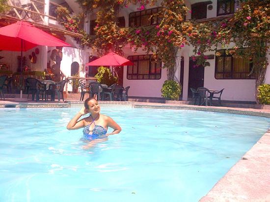 Hotel Sol de Ica: En la piscina del Hotel
