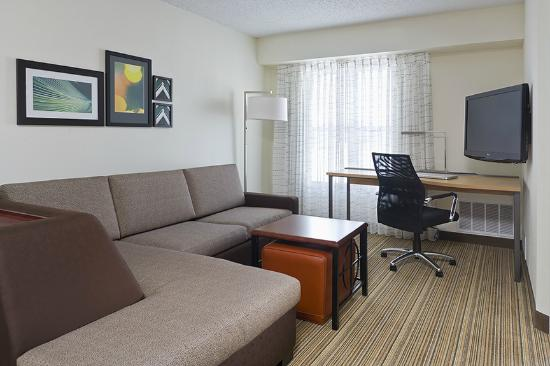 Residence Inn Canton : One Bedroom Suite Living Area