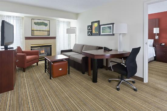 Residence Inn Canton : Two bedroom Suite Living Area