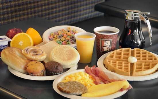 Comfort Inn Simcoe : Free breakfast