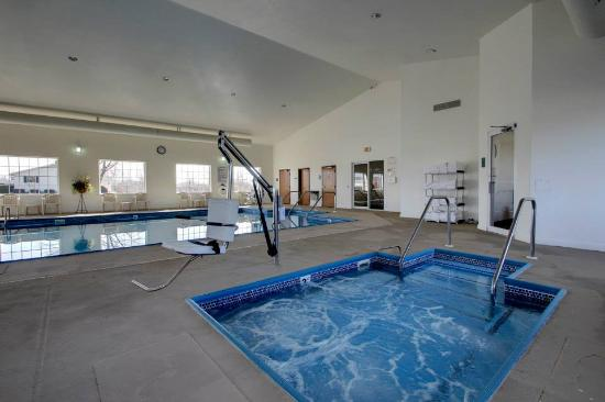 Indoor Hot Tub Picture Of Oak Hill Inn Suites Canton