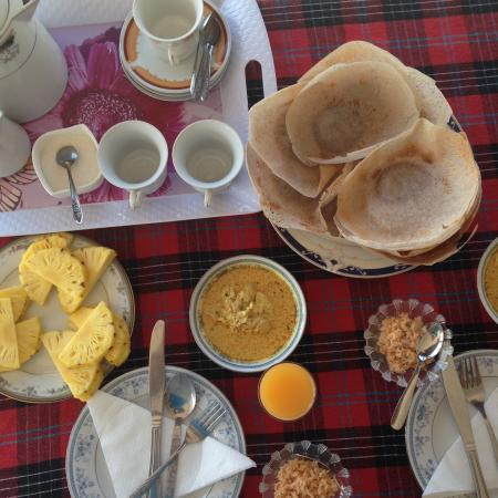 Rampart View Guest House: traditional sri lankan breakfast