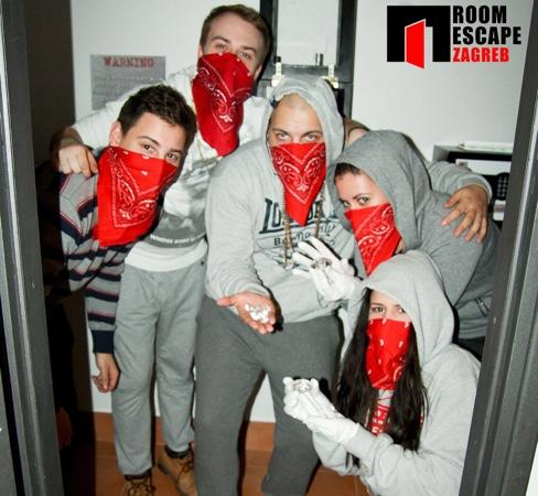 Robbing The Bank Picture Of Escape Room Fox In A