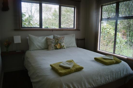 Waitapu Springs B&B: Room (double queen size bed)