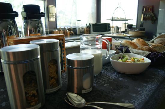Waitapu Springs B&B: Breakfast buffet.