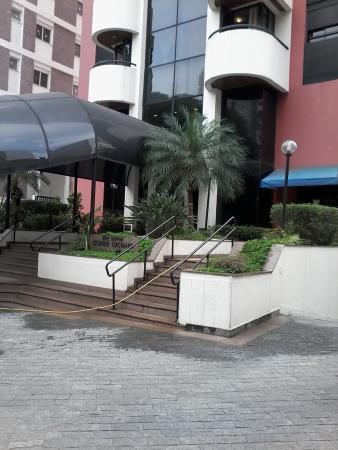 Travel Inn Conde Luciano : entrada do hotel. Entrance