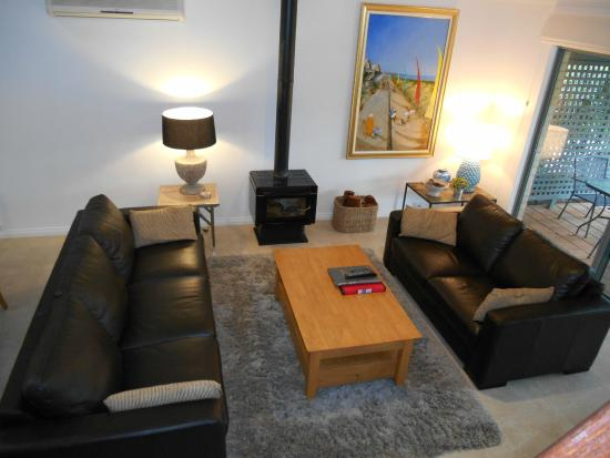 Bayshore Beachside Resort : Living Area