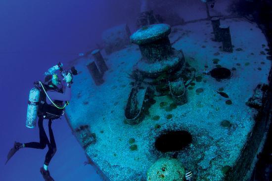 Bermuda: Wreck Diver