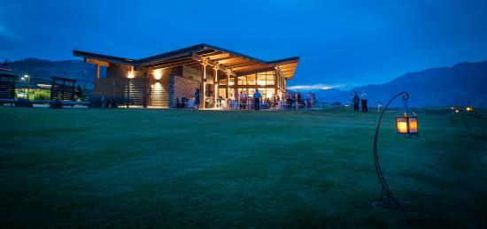 Tobiano Golf Course: Tobiano's award-winning clubhouse perfectly fits its surrounding environment.