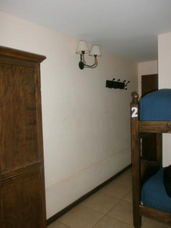 vista parcial de la habitación