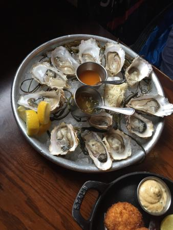 Catch Oyster Bar: Raw Oysters