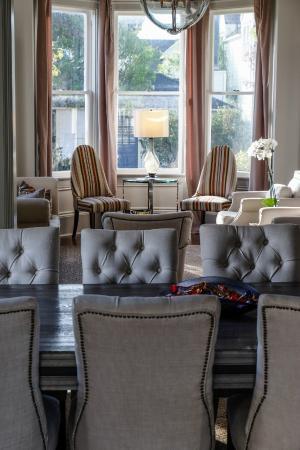 Blue Door Inn : Dining Room