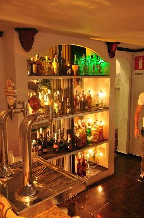Acd Tenerife Surf House: The Bar