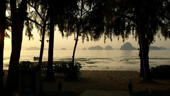 Tup Kaek Sunset Beach Resort : Solnedgång