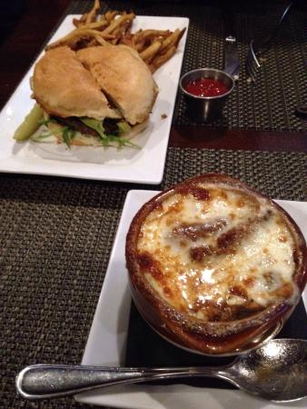 Mazcots Sports Bar & Grill: Veggie burger and onion soup!