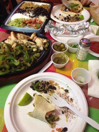 Amigos Cafe Y Cantina: Fajitas - plenty for two hungry adults
