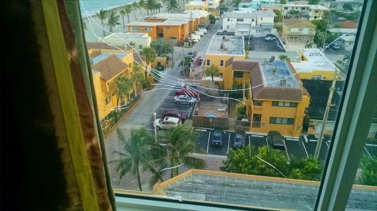 Hollywood Beach Marriott: Bullet Hole in Window