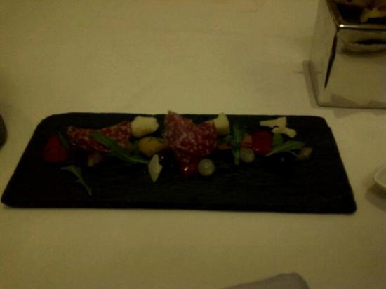 LiAoNaDuo Da FenQi Restaurant: amuse bouch - dont order a starter!!!