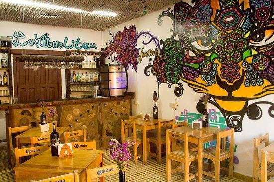 La Abuelita Resto-Botanas-Bar