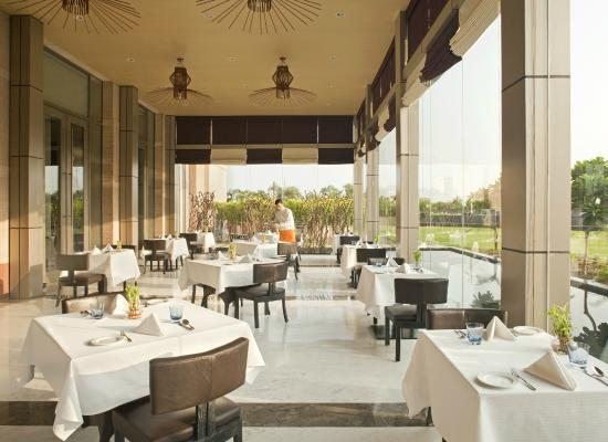 Radisson Blu Hotel Amritsar: Glass House