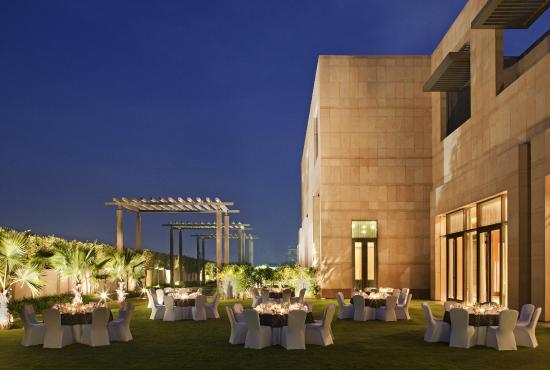 Radisson Blu Hotel Amritsar: Rivaz Garden