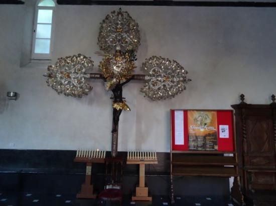Oratorio di Nostra Signora Assunta : Black crucifix