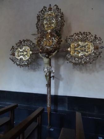 Oratorio di Nostra Signora Assunta : Silver crucifix