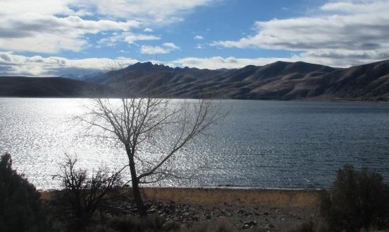 Vista da estrada picture of topaz lake topaz tripadvisor for Topaz lake fishing