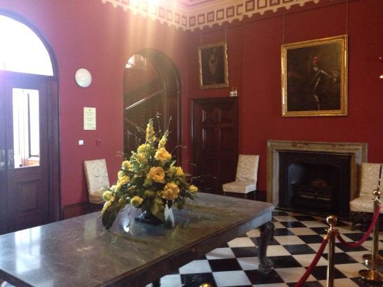 Kilkenny, Irlanda: One of the many fine rooms