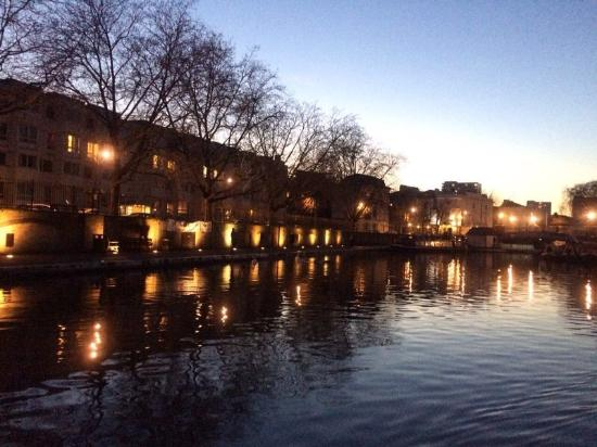 Canal and River Cruises Day Tours: Peaceful winter scenery in December