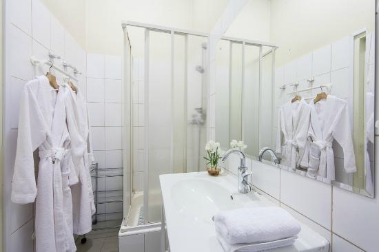 Voyage Hotel: Ванная комната