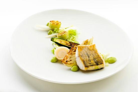 Moon Garden Restaurant: Рыбка с овощным гарниром