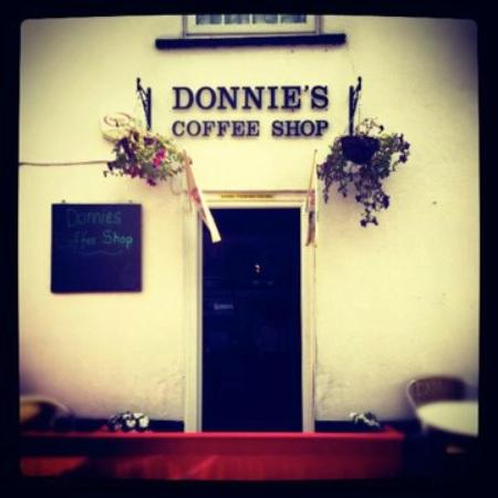 Donnie's Coffee Shop: Outside