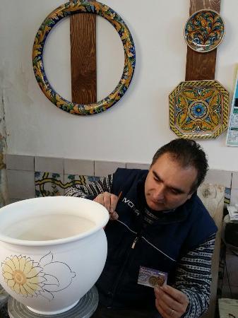 Adriana Viaggi: Ceramiche gurreri a caltagirone