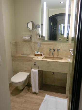 Movenpick Resort Sharm El Sheikh Naama Bay : Salle de bain
