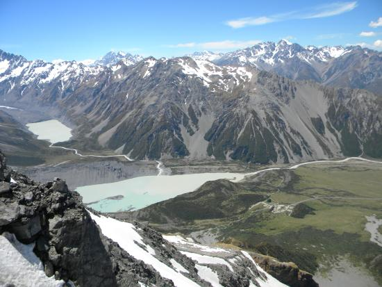 Aoraki Mount Cook National Park (Te Wahipounamu), Nieuw-Zeeland: Hooker Valley view from above the Hut
