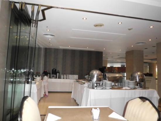 Amerian Buenos Aires Park Hotel: Área do café da manhã