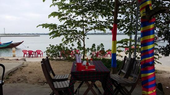 Quang Khang Cafe Restaurant