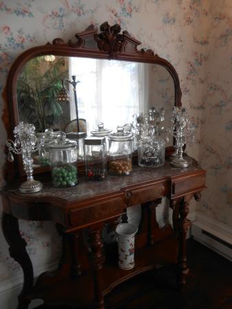The Mason Cottage Bed & Breakfast Inn: Palor